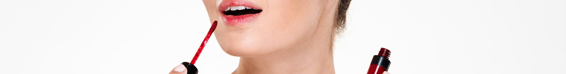 Makeup Lip Products | Buy Lip Gloss Online | AromaCraze