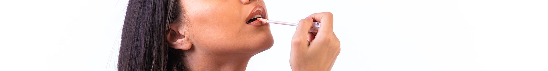 Makeup Lip Products | Lip Plumpers - Buy Lip Plumper Online | AromaCraze